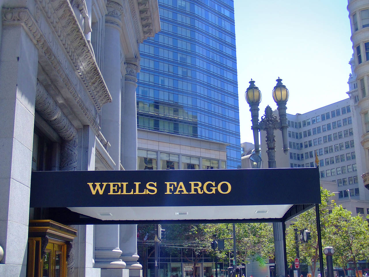 Wells Fargo Bank Fotos